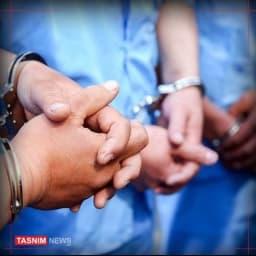بازداشت ۶ متهم خرید و فروش کودکان در مشهد  معاون دادستان مشهد: 🔹۶ فرد متهم در جریان رسیدگی به پرونده خرید و فروش کودکان در مشهد بازداشت شدهاند اما متهم اصلی پرونده کودکربایی و خرید و فروش کودکان فراری است.  🔹این متهمان در بازجوییها به خرید و فروش ۲۵ نوزاد اعتراف کردهاند.  🔹در اعترافات متهمان، مشخص شد که علاوه بر کودکان خرید و فروش شده، سه کودک را نیز ربودهاند. tn.ai/2576096 @TasnimNews