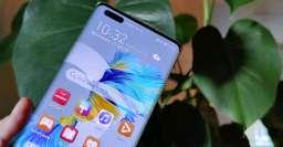 """▫️ایا برنامه های اندرویدی رو هارمونی او اس کار میکند؟  سوالی که امروز در بین مردم زیاد شنیده میشود این است که ایا هارمونی او اس سیستم عامل هواوی، از برنامه های اندرویدی پشتیبانی میکند یا خیر.  اریک ژو، مدیر دوره گرد هواوی در این باره یک تویت منتشر کرد: """"به منظور محافظت از دارایی های دیجیتالی (برنامه ها و خدمات) کاربران تلفن همراه و رایانه لوحی موجود Huawei (طراحی شده برای EMUI مبتنی بر Android) ، Harmony 2.0 از برنامه های موجود Android در برخی از دستگاه های مجهز به این سیستم عامل پشتیبانی می کند"""" یکسری گزارش نشان میدهد که هواوی یک بسته HarmonyOS 2.0 منتشر کرده است که دارای شعبهی L2 است و هیچ کد اندرویدی ندارد. و در بعضی بسته های شاخه های L3 و L5 وجود دارد که امکان نصب برنامه های اندروید را فراهم میکند وامکان تجربه 2 سیستم عامل در 1 دستگاه را میدهد. 👑نوربرت موبایل👑  🔶🔹با ما همراه باشید🔹🔶  💎@modmobail💎"""