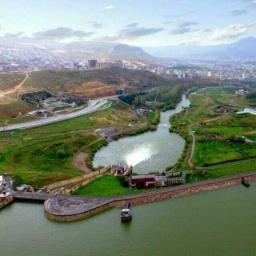 🔻عجیبترین سد دنیا  🔹مهاباد در استان آذربایجان غربی اولين شهر در جهان است كه سد آن داخل شهر قرار گرفته است.  🔹 سد مهاباد قبل از پیروزی انقلاب و در سال 1348 توسط مهندسان یوگسلاوی ساخته شده است.   @cafenet